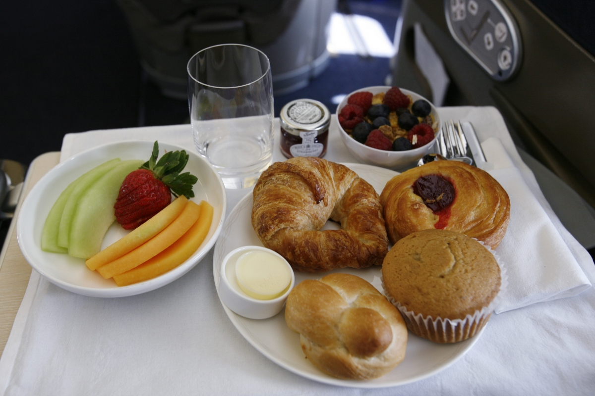 British Airways To Stop Serving Free Food And Drinks On