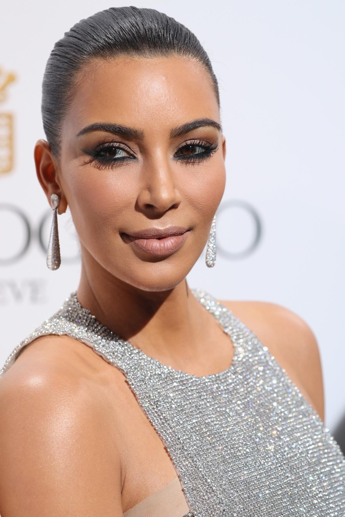 Cannes Film Festival 2016: Kim Kardashian sparkles in ... Kim Kardashian
