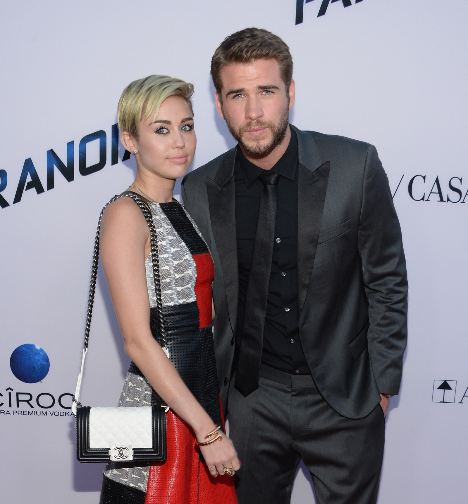 are miley cyrus and liam hemsworth still dating