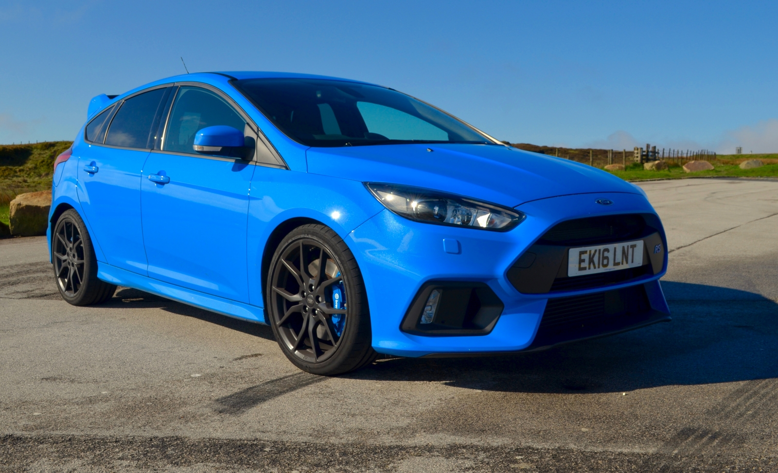 ford focus rs review. Black Bedroom Furniture Sets. Home Design Ideas