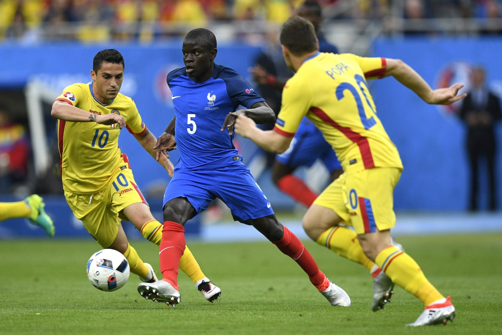Chelsea set to sign N Golo Kante with £27m bid