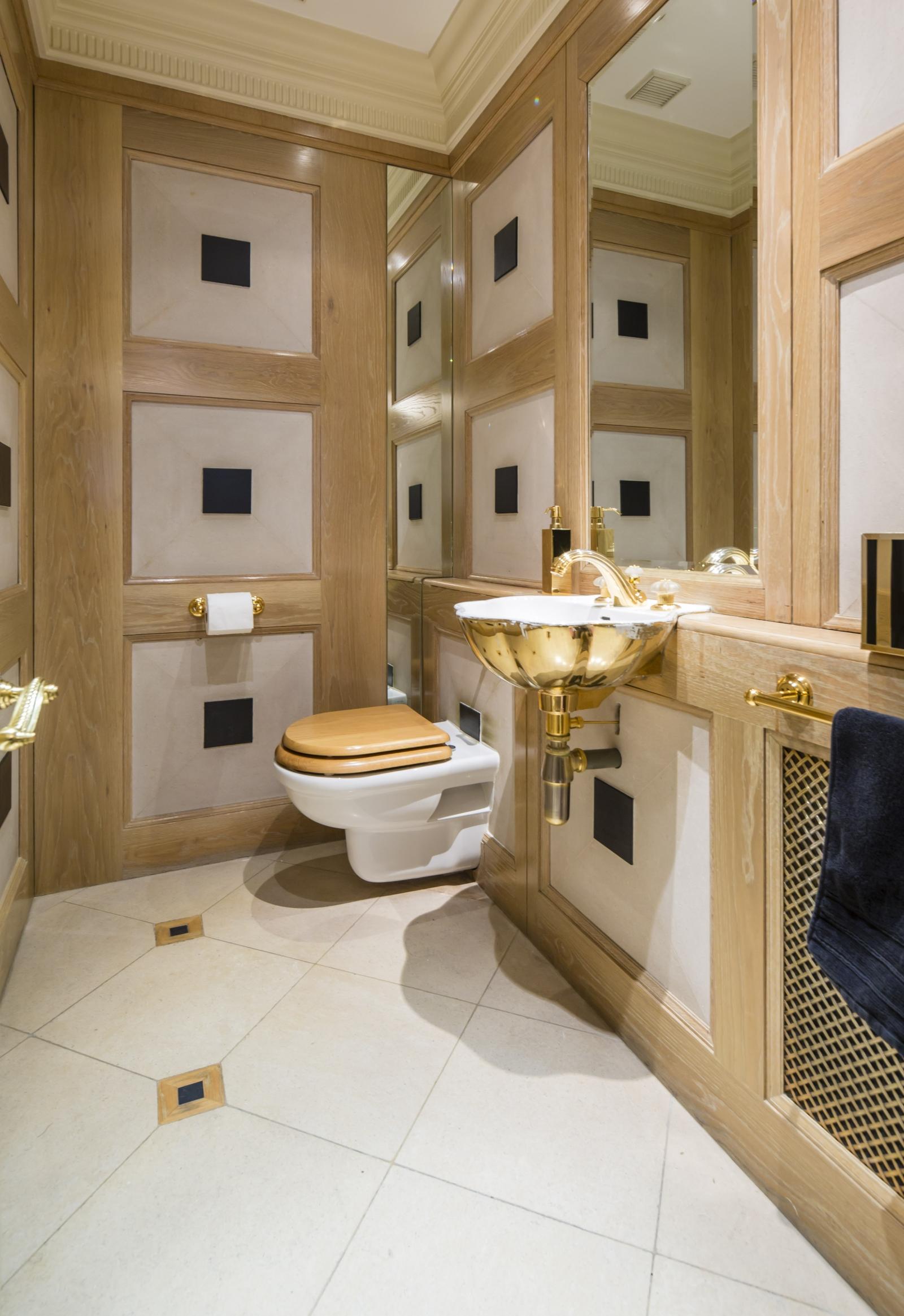White house bathrooms