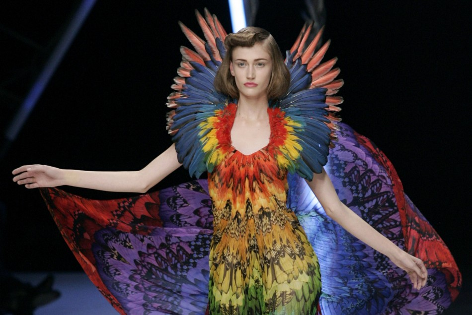 Alexander mcqueen 39 s popular 39 savage beauty 39 exhibition for Couture clothing definition