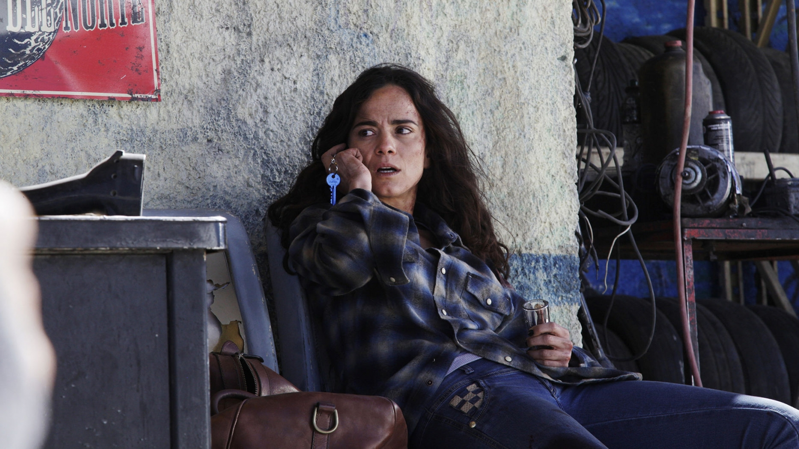 Watch Queen Of The South Premiere Episode Teresa Mendoza