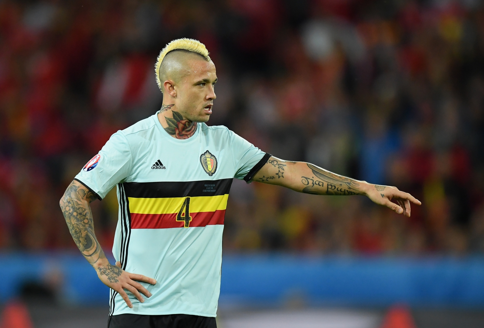 Manchester United join Chelsea in race to sign Radja Nainggolan
