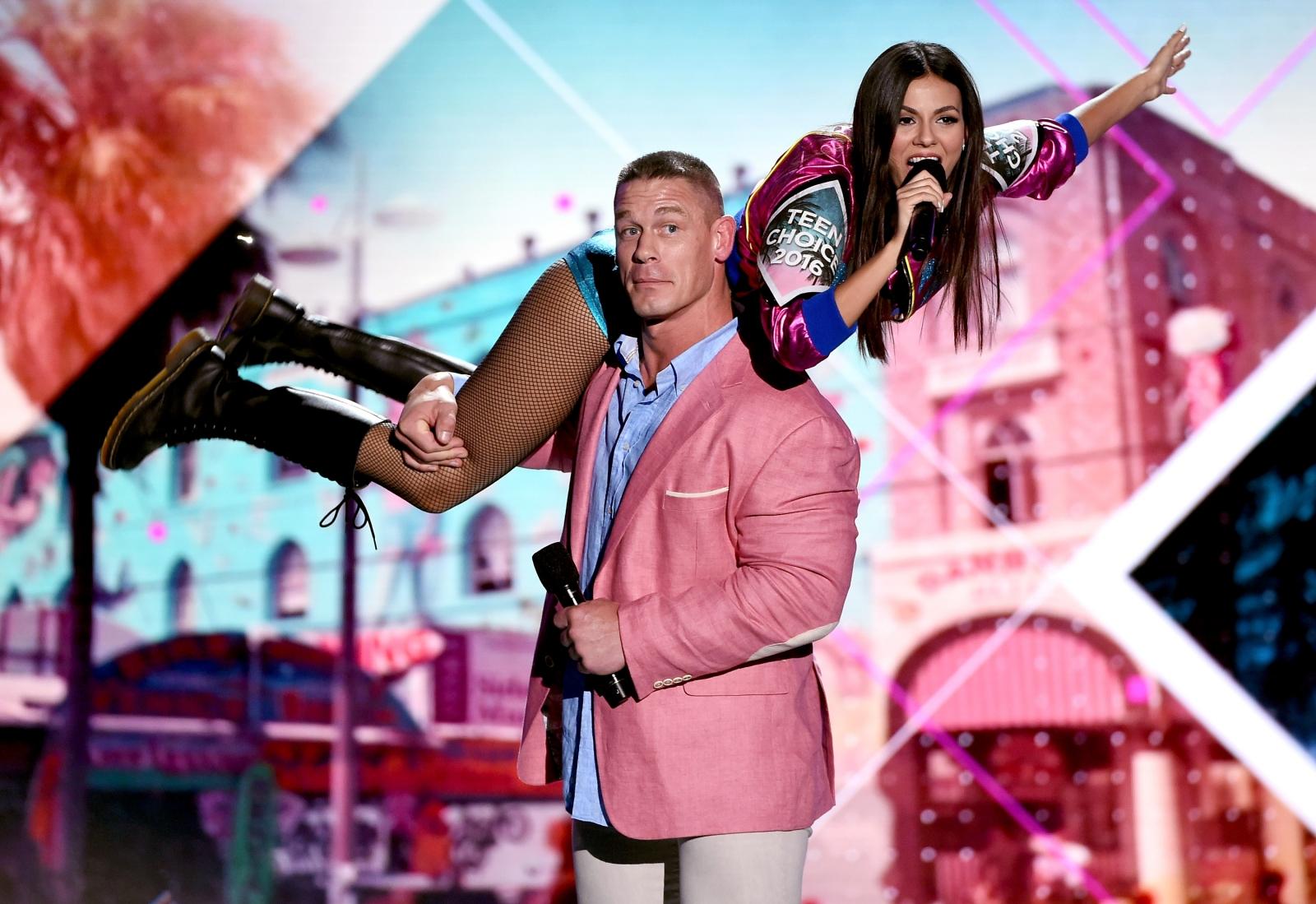 Teen Choice Awards 2016: Pretty Little Liars' Shay ...