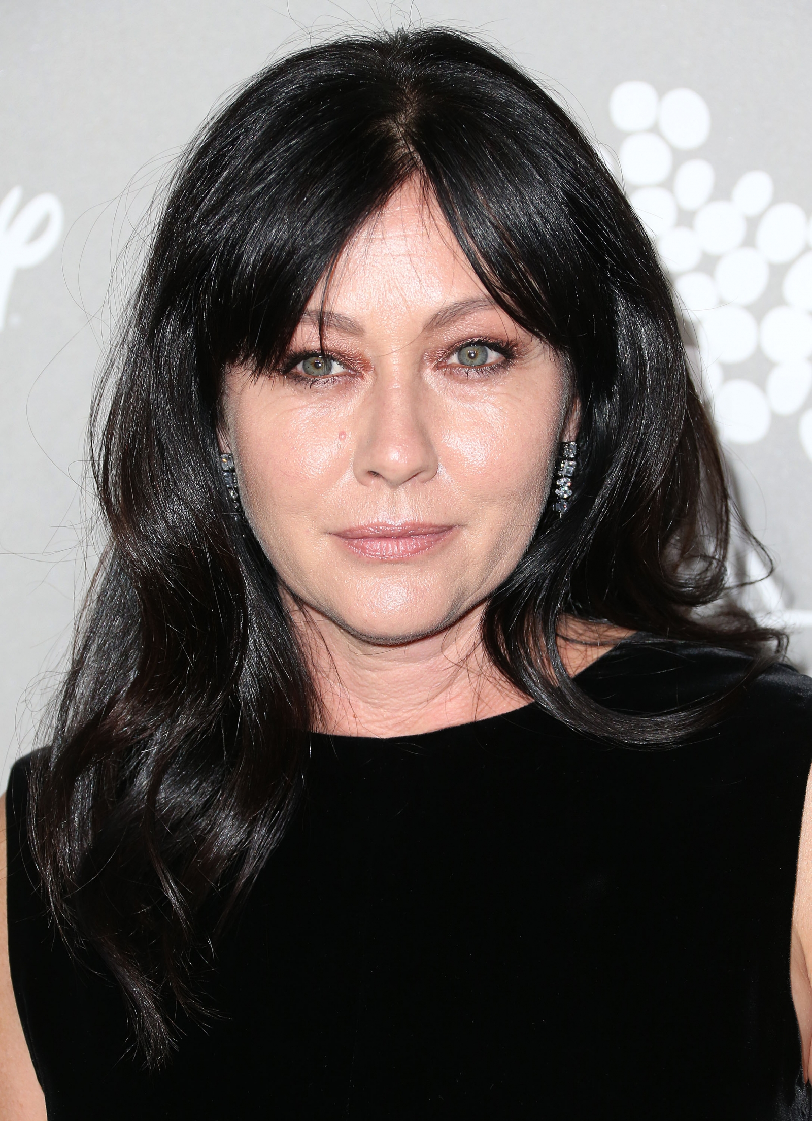 Shannen Doherty Former Charmed Actress Reveals Breast