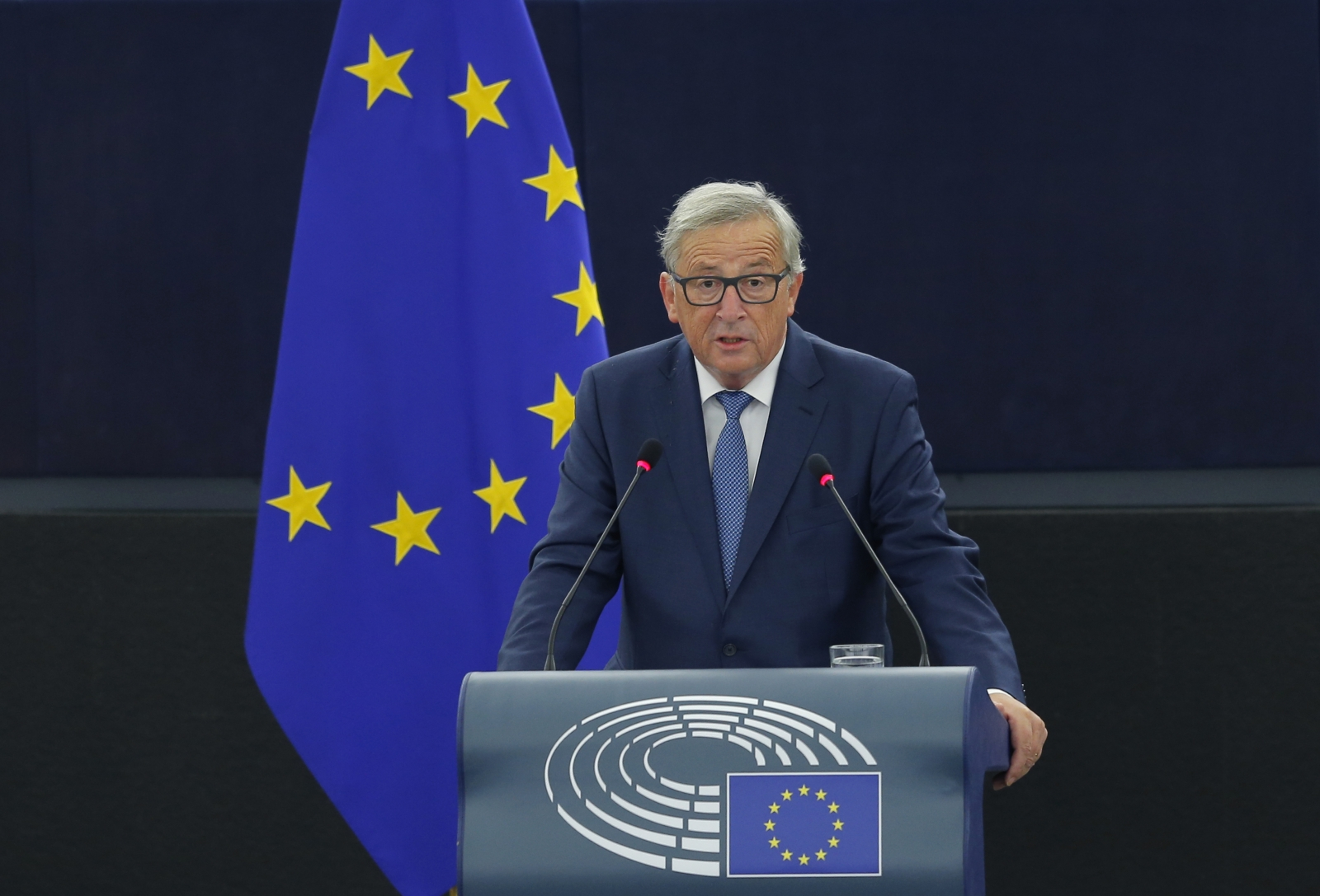 EU's Juncker: English is losing importance in Europe