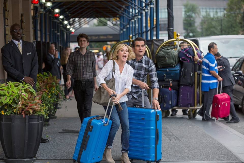 modern family season 8 premiere live ty burrell teases really episode 1