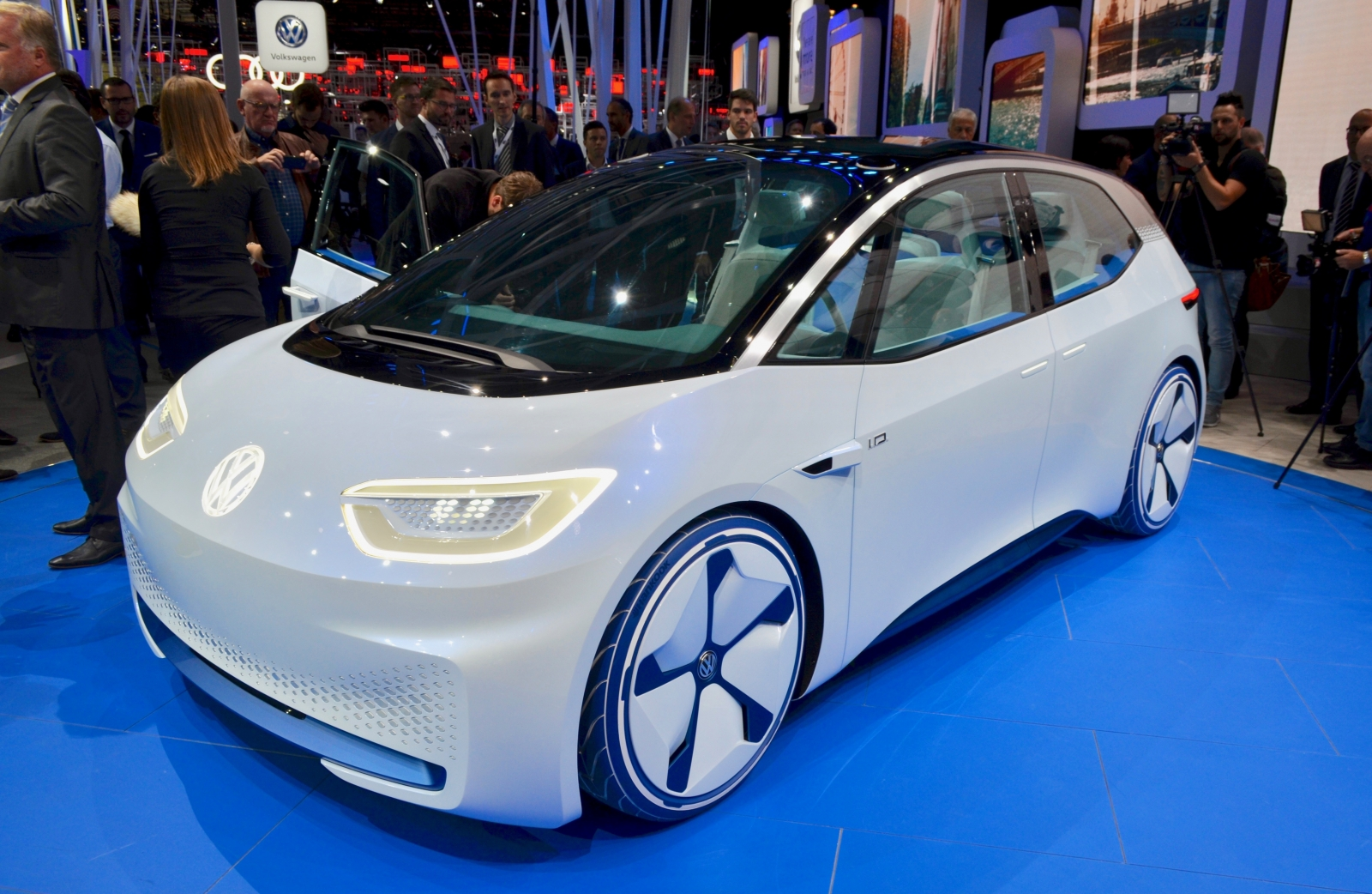 Beautiful Volkswagen ID This Is Your Selfdriving Golf Of The Future