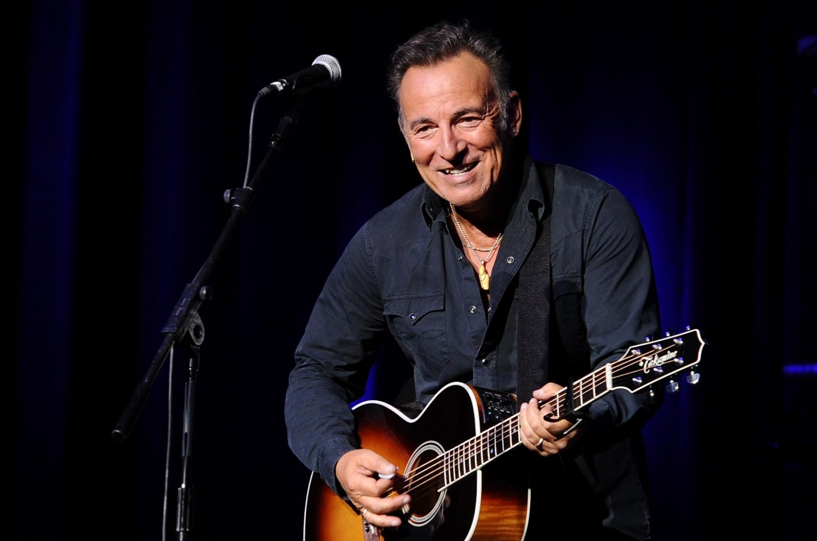Colin Kaepernick protest: Bruce Springsteen admire's NFL ... Bruce Springsteen