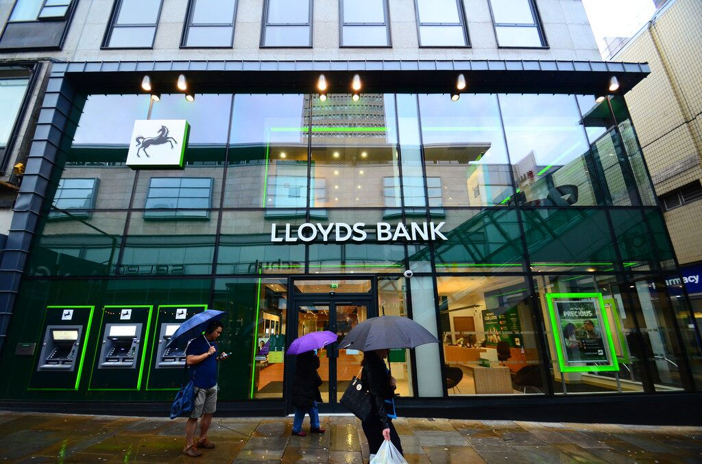 Lloyds Bank bans customers from buying bitcoin on their credit cards
