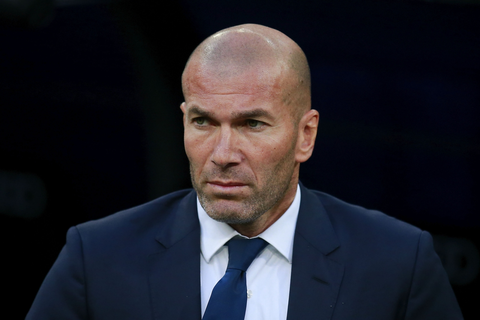 zinedine zidane With the most impeccable sense of timing, jose mourinho managed to get his manchester united side to pull a half decent performance out of the hat.