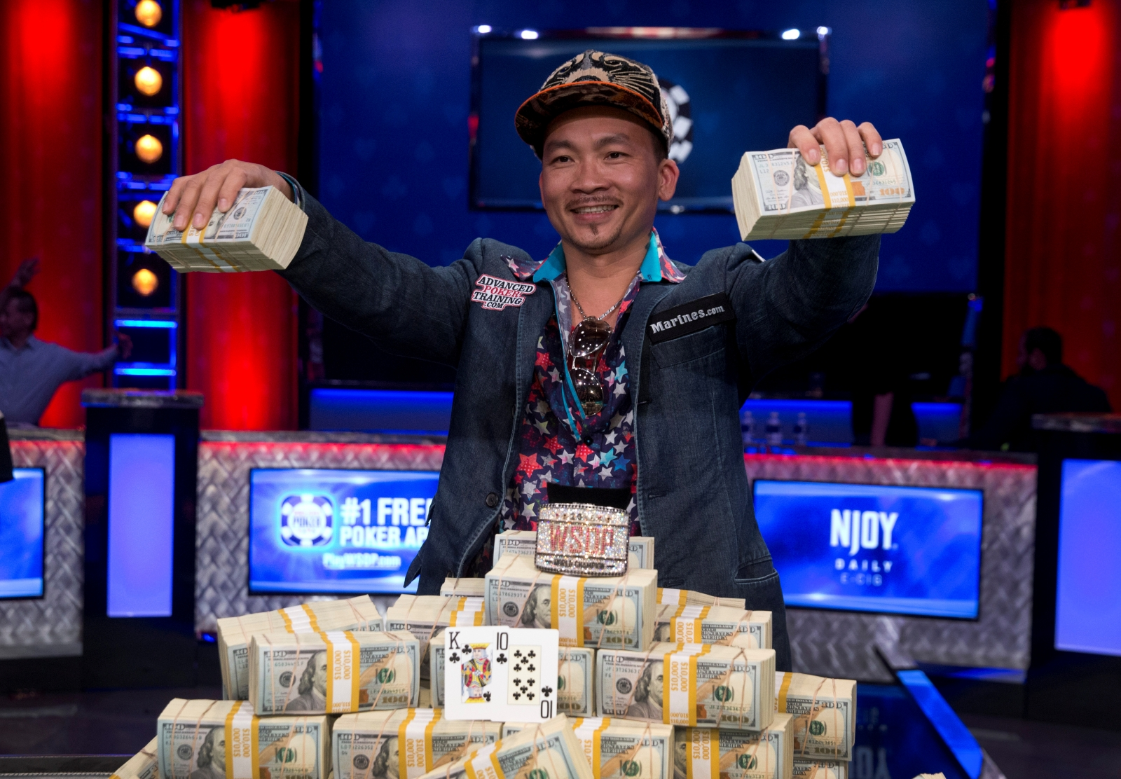 World Series Of Poker Qui Nguyen Wins 8m Prize After