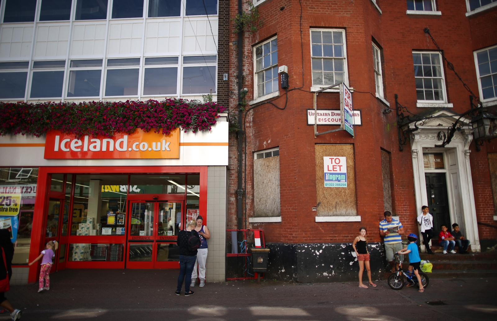 iceland foods faces legal action from the icelandic