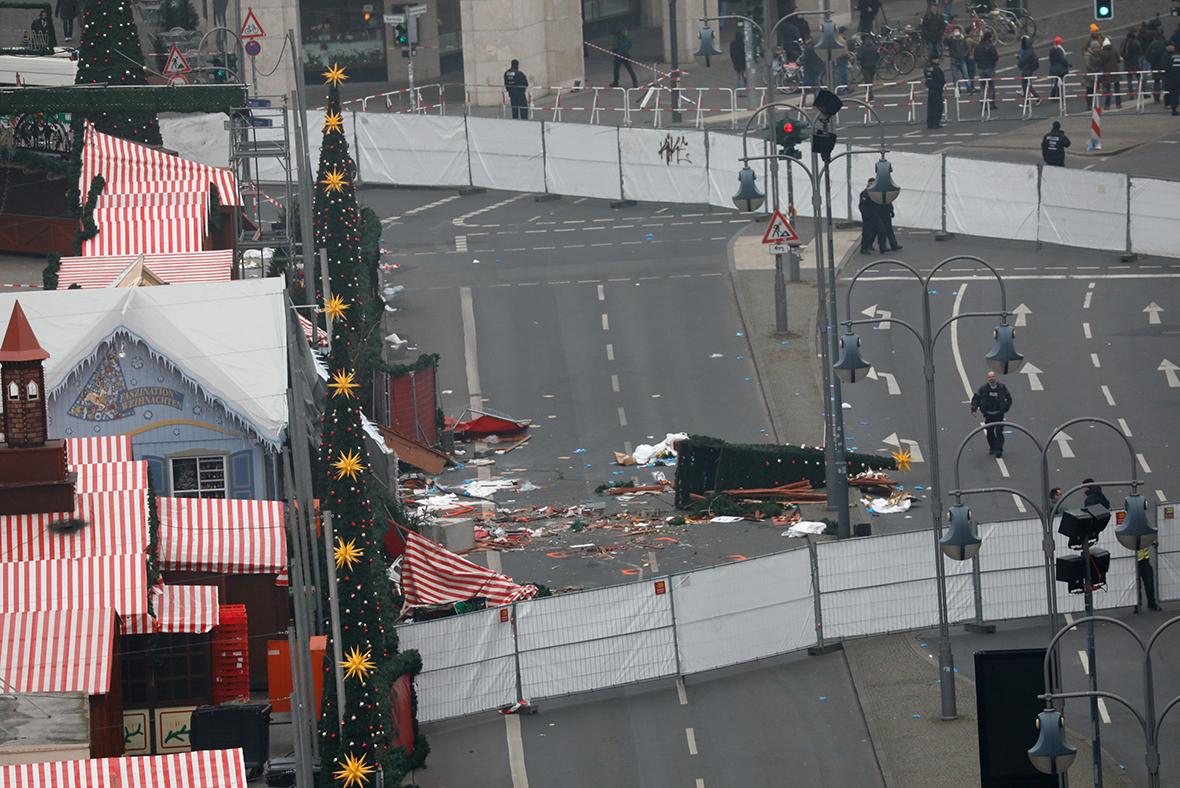 Berlin Truck Attack German Police Hunting For Tunisian Man