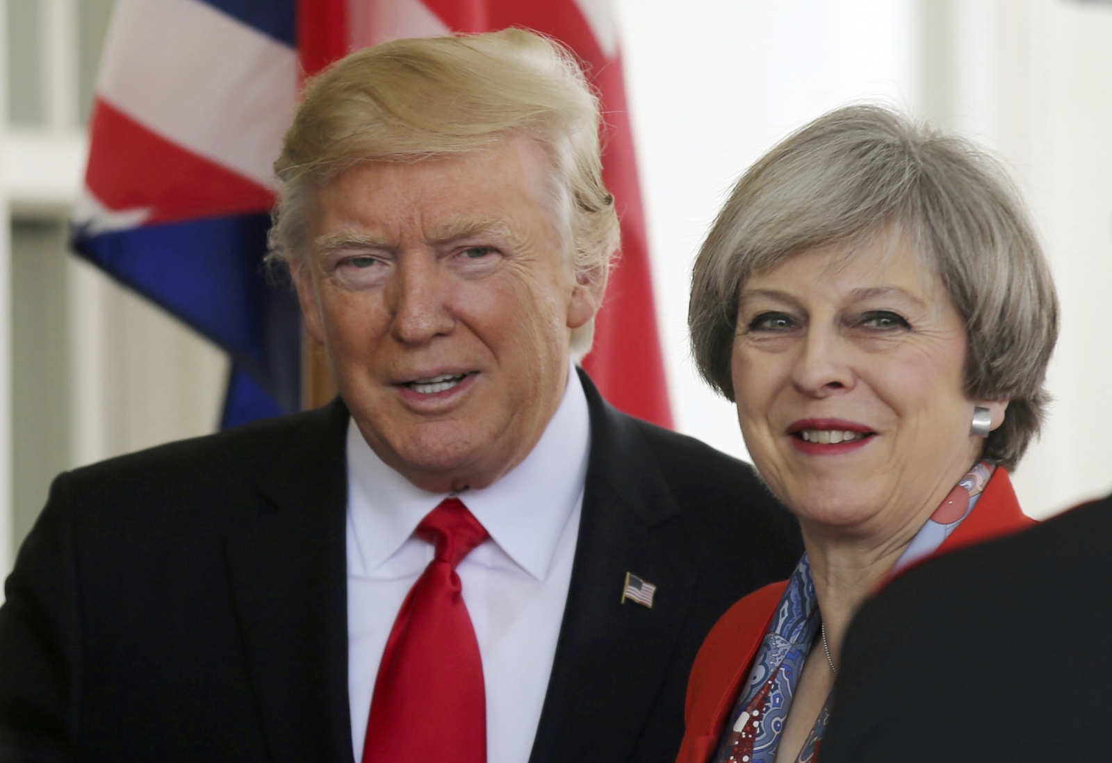 news theresa meets donald trump white house live