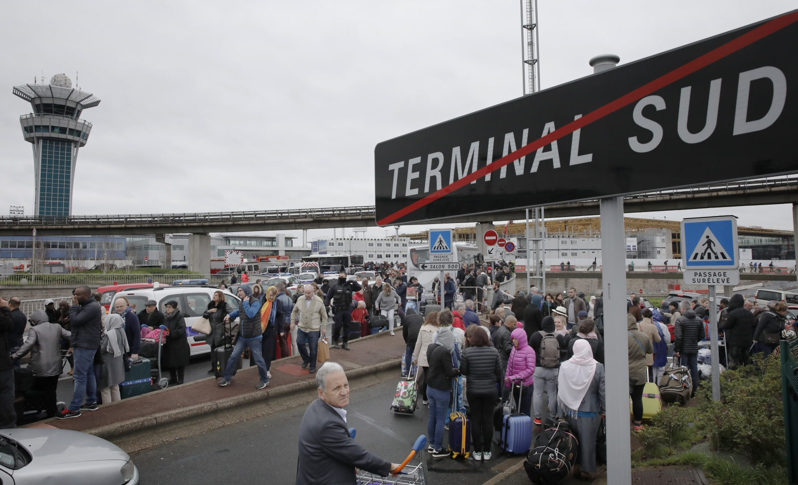 how to get to orly airport from paris
