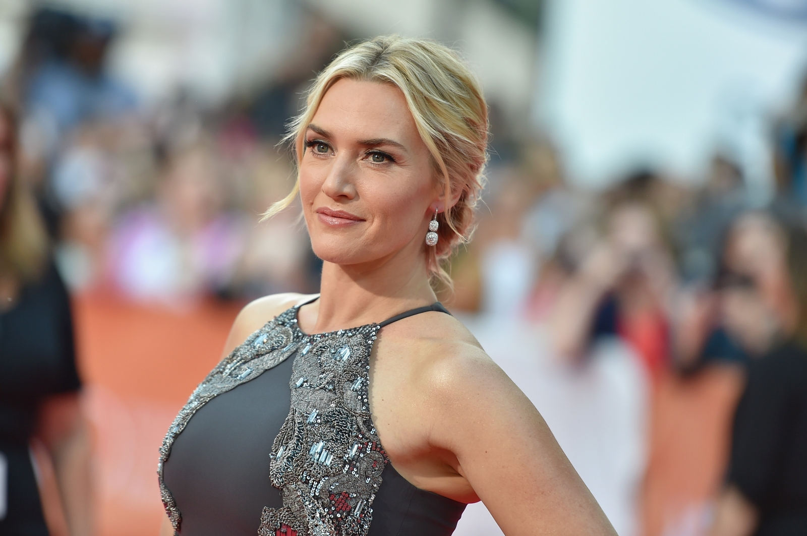 Kate Winslet delivers ... Kate Winslet