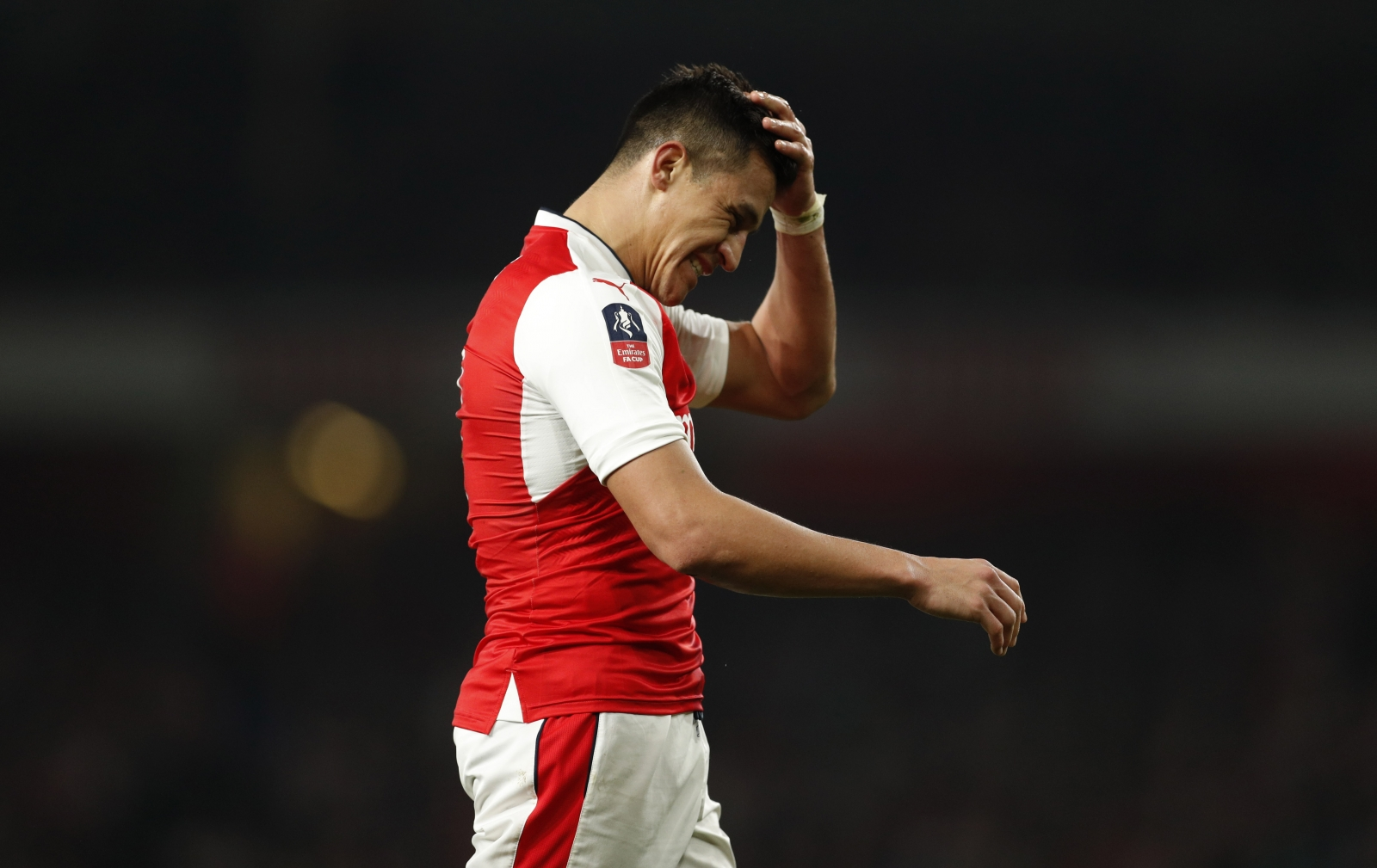 'One team in London': Alexis Sanchez not leaving Arsenal