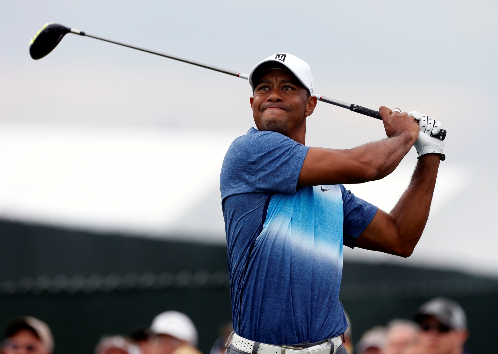 tiger woods undergoes successful back surgery  could miss