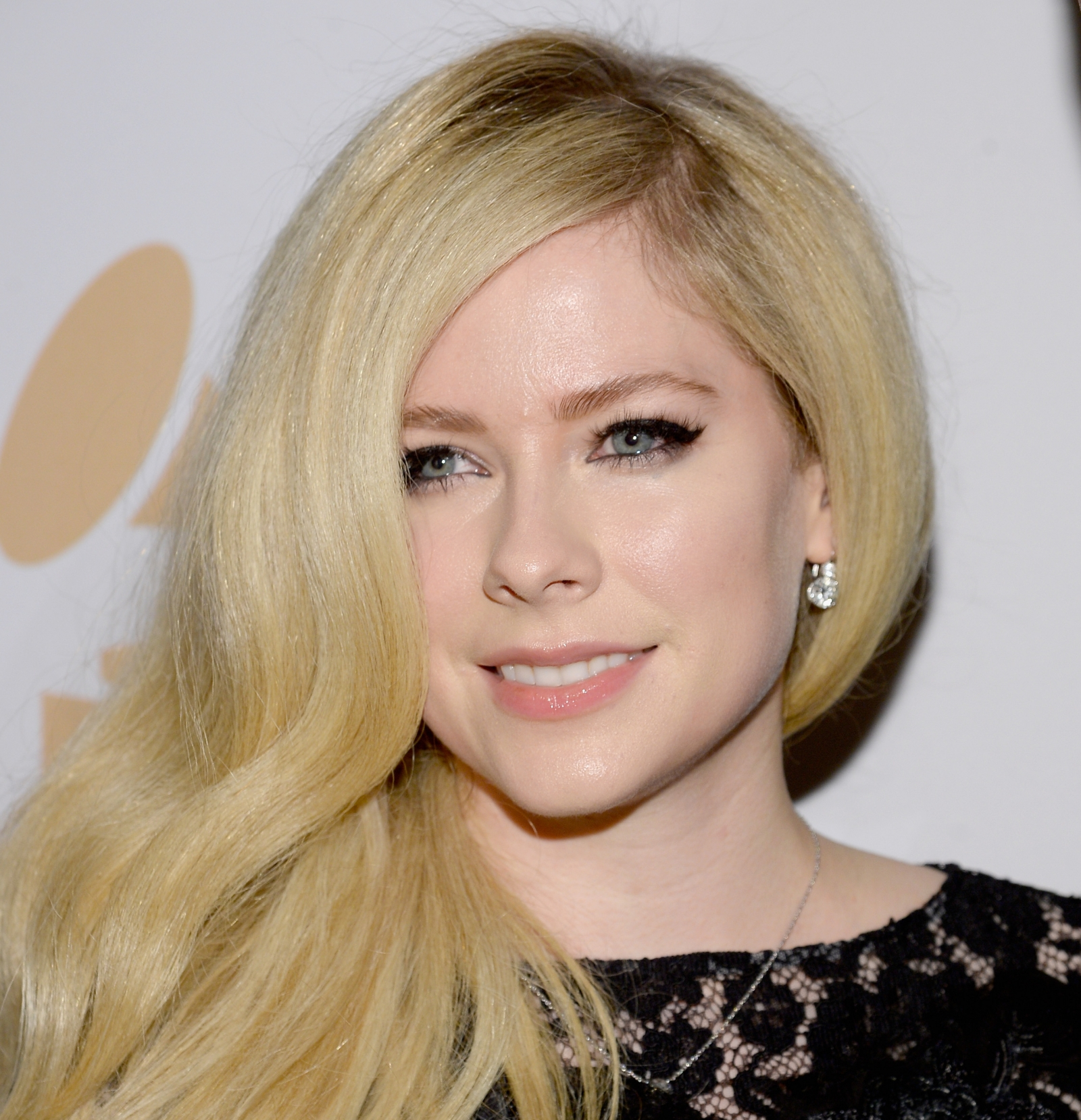 Avril Lavigne fans are... Avril Lavigne
