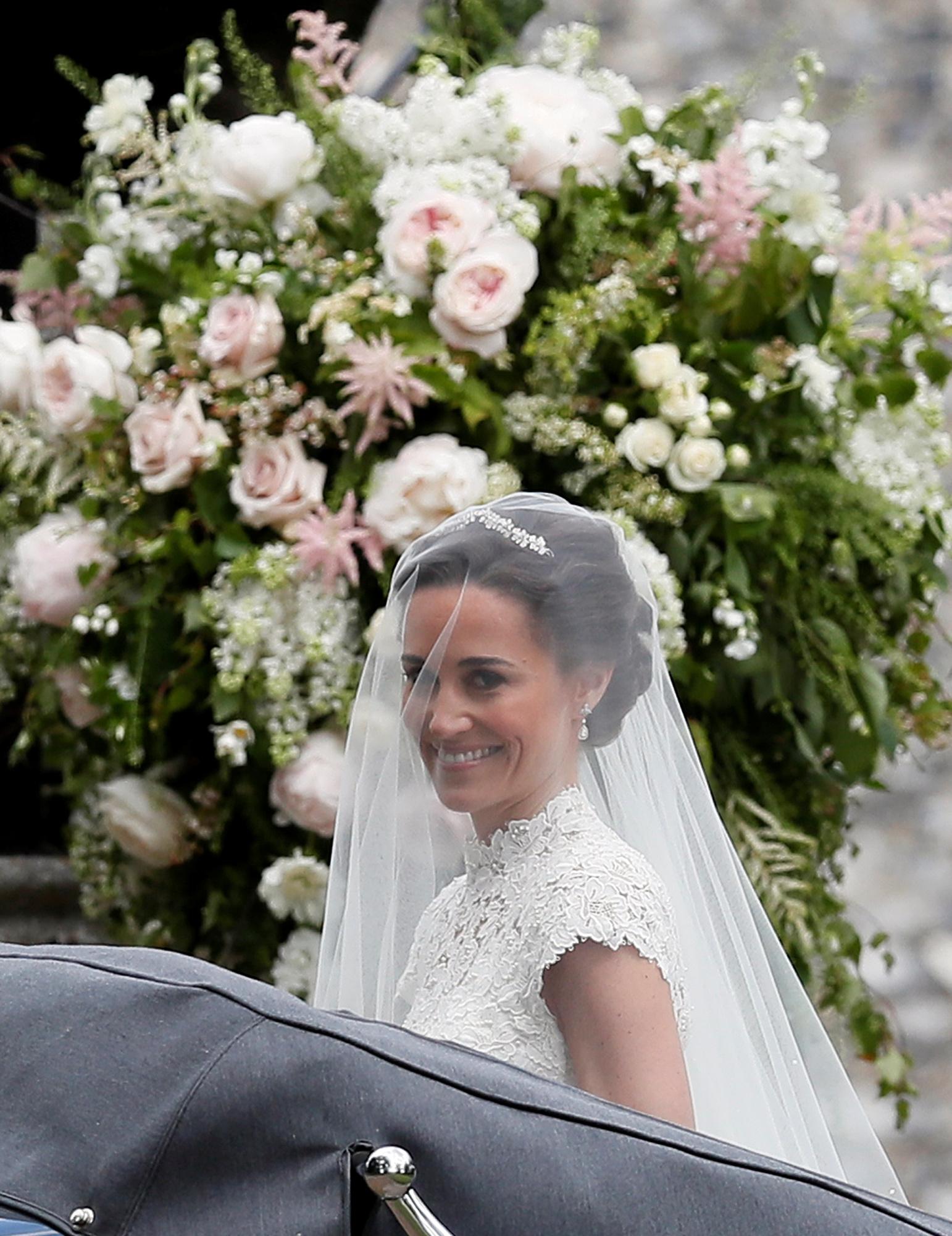 Pippa middleton marries james matthews the wedding live - Blumenkinder kleider ...