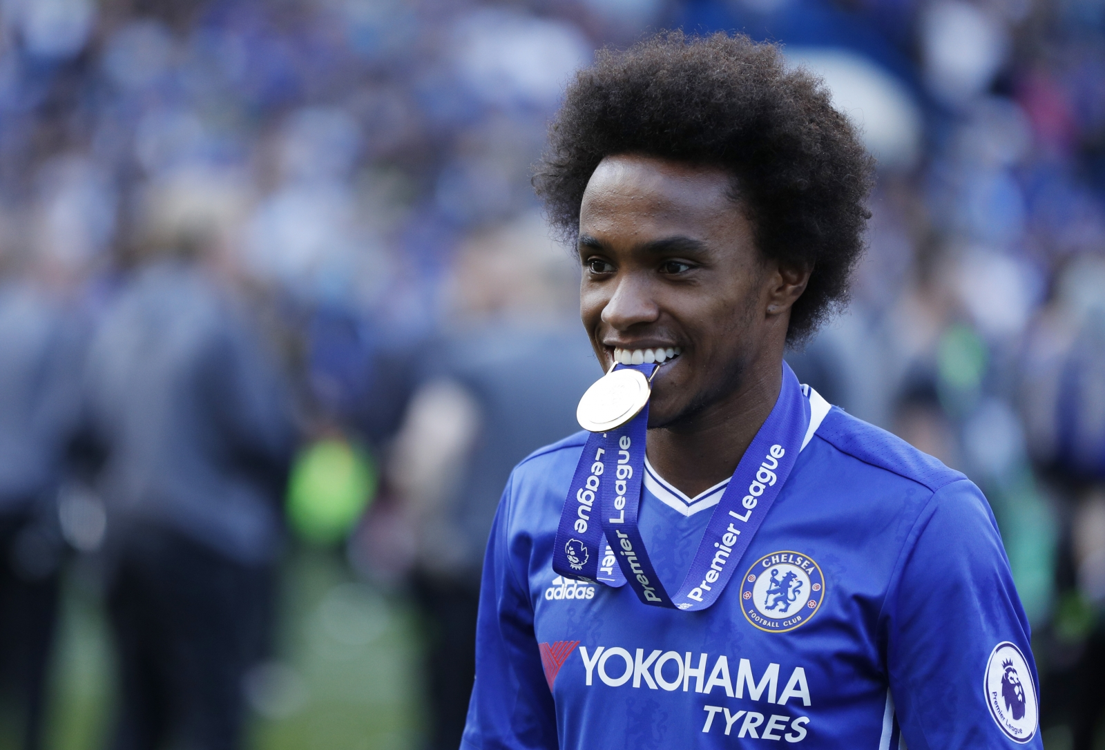 I am very happy here Willian reaffirms Chelsea mitment amid