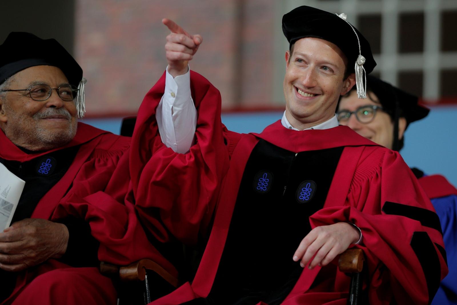 mark zuckerberg gives harvard 2017 graduates his tried and