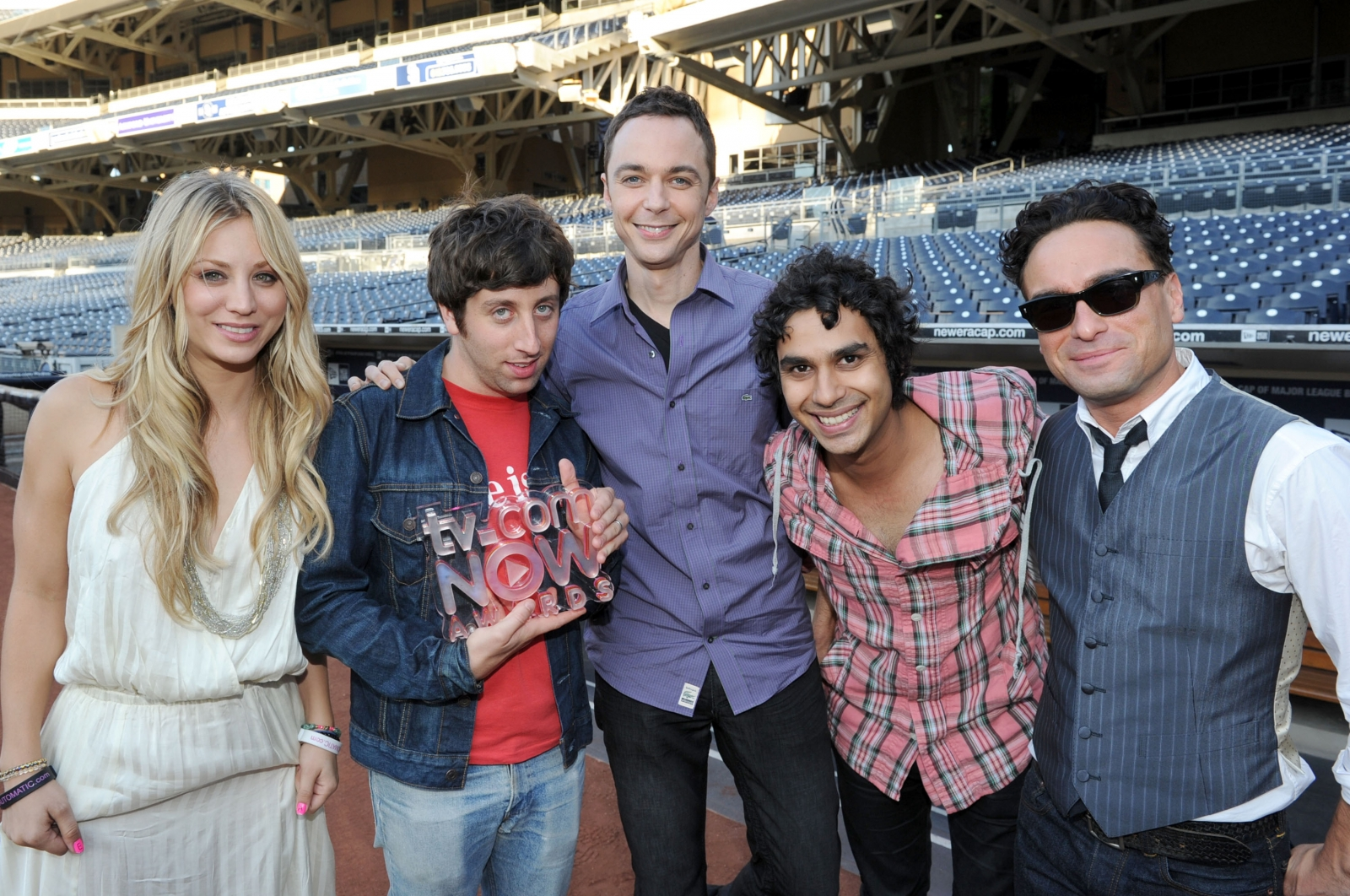 Big Bang Theory's Kaley Cuoco shares adorable throwback photo from cast's first comic-con appearance