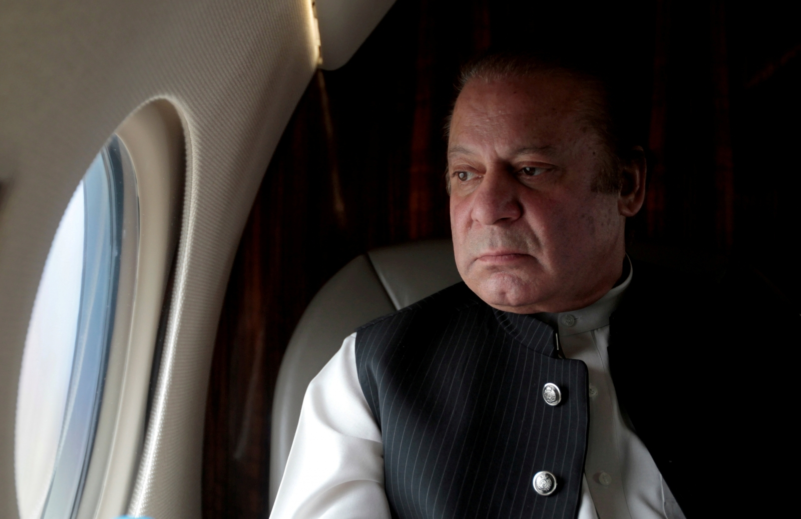 Pakistan PM Nawaz Sharif resigns after Supreme Court ousts him over Panama Papers scandal