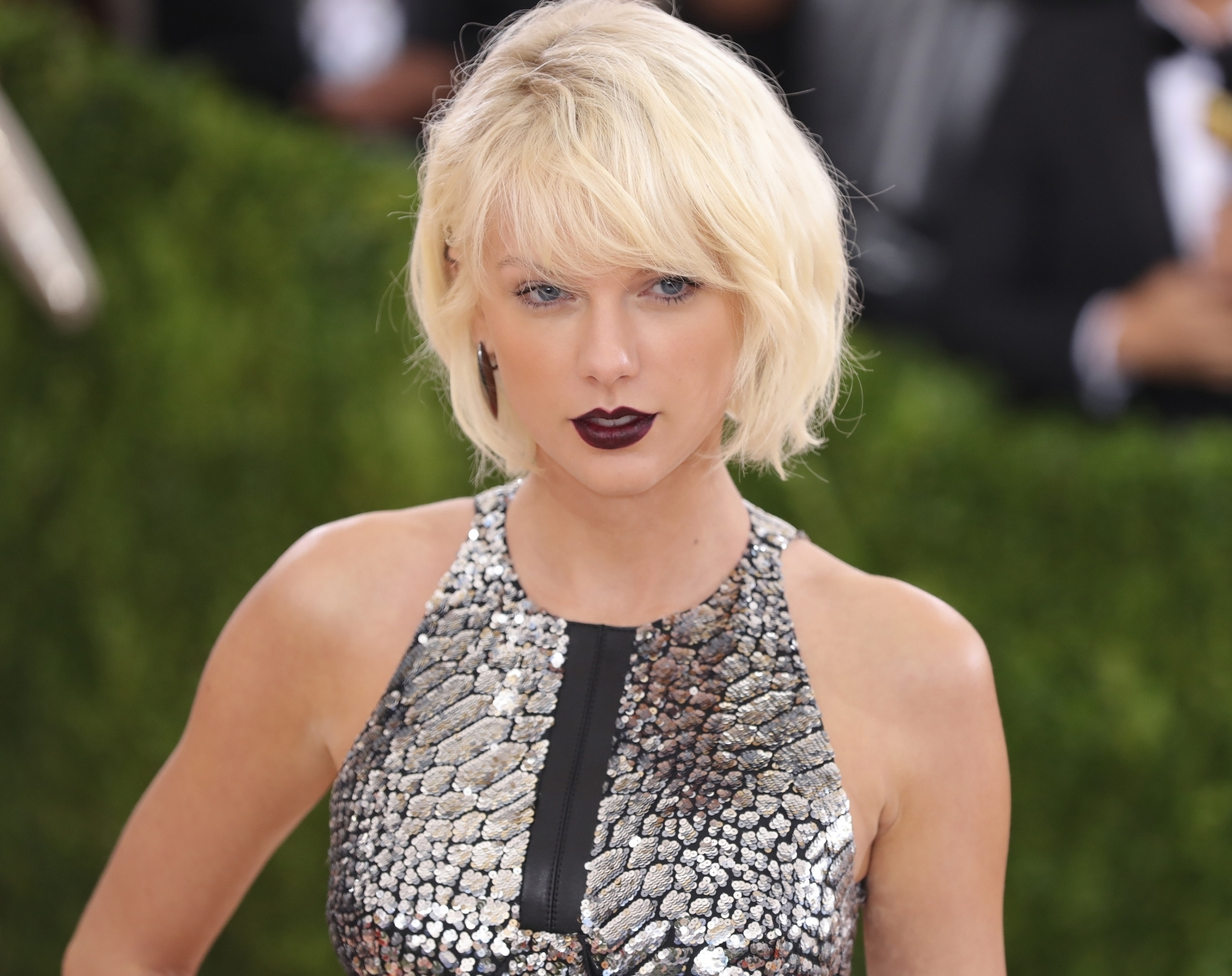 Taylor Swift 'looked visibly upset' after Denver DJ allegedly groped her bum