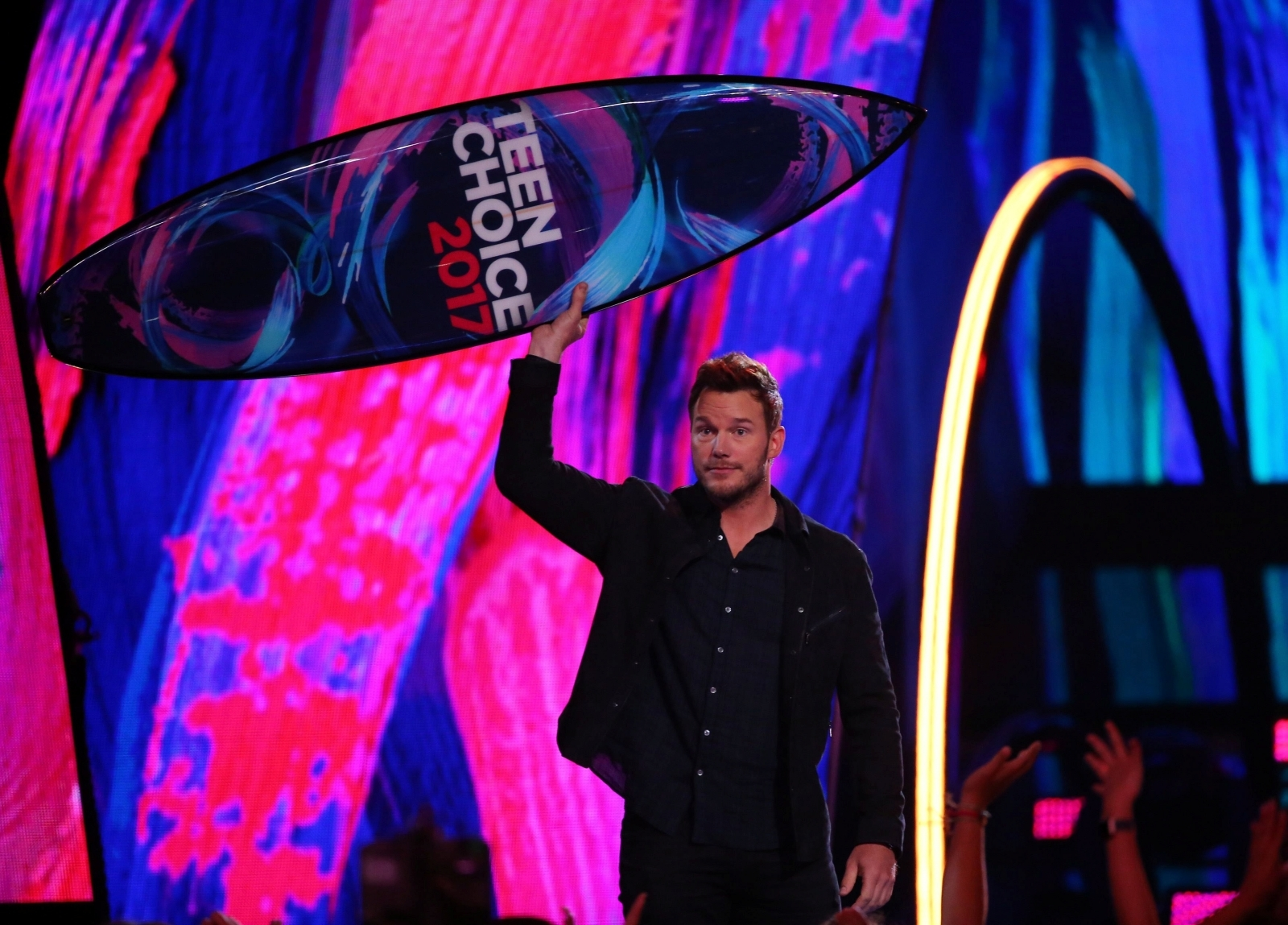 Chris Pratt ignores Anna Faris in Teen Choice acceptance speech: 'I wouldn't be here without my Lord'