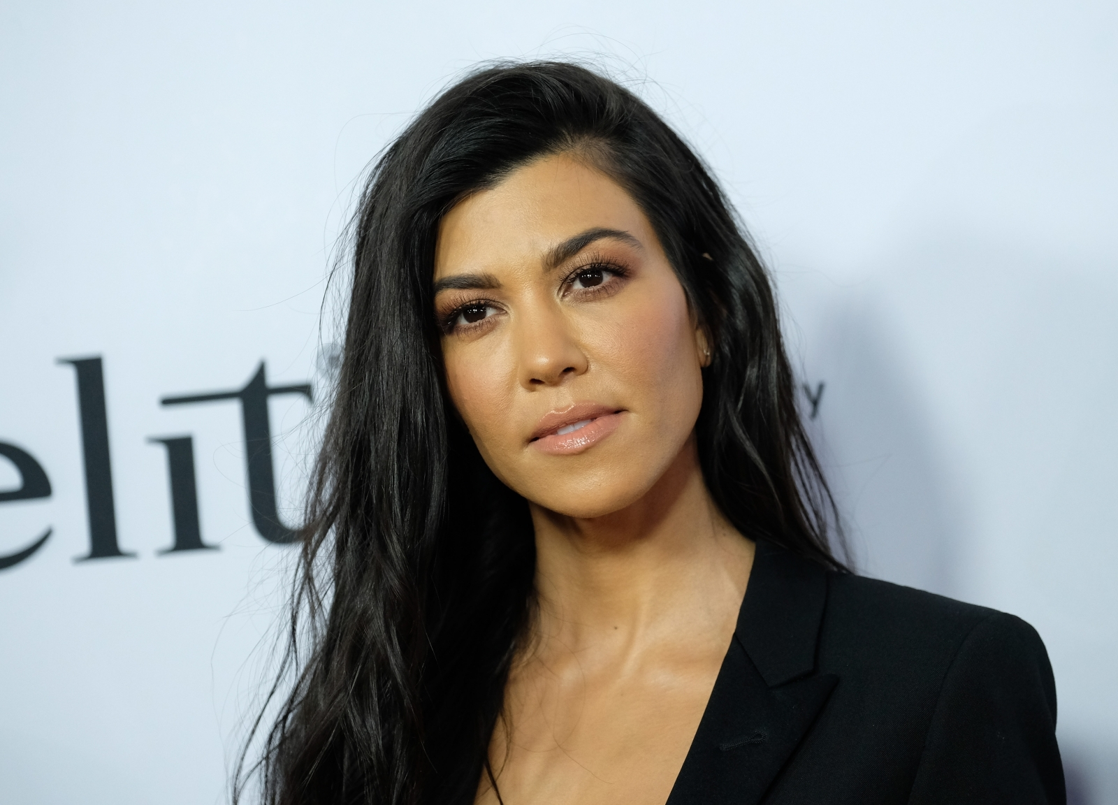 Kourtney Kardashian Mom Shamed For Ditching Kids To Holiday With Boyfriend In Egypt Horrible