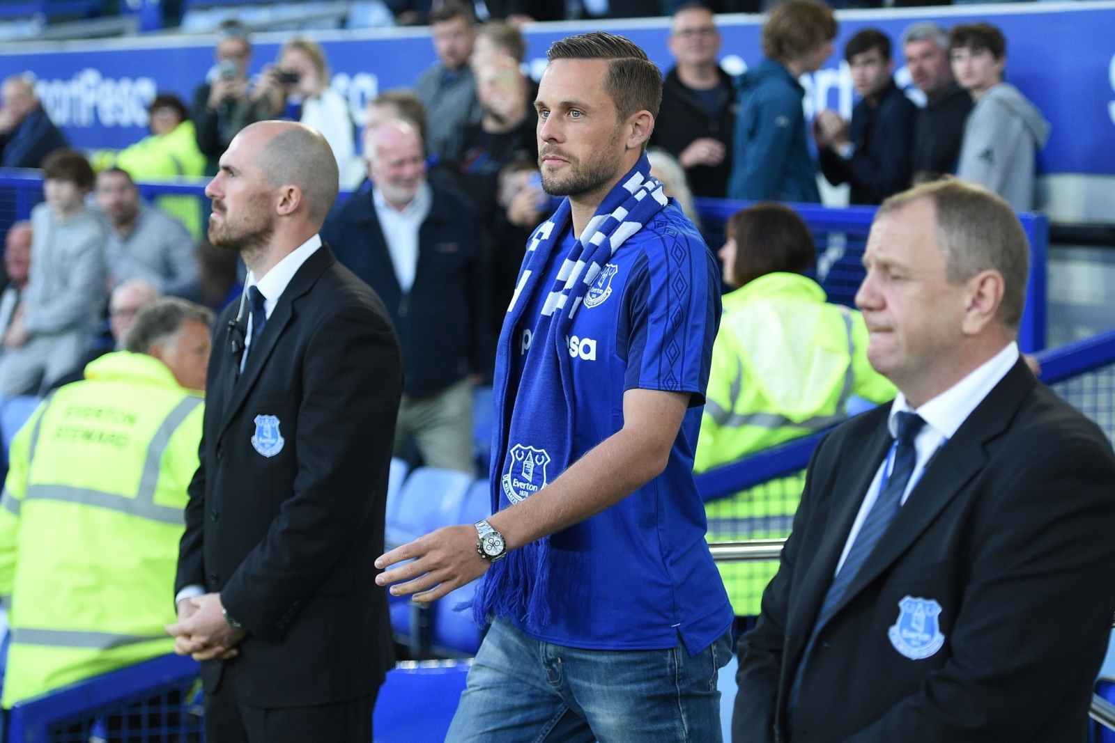 Gylfi Sigurdsson not concerned by 45m transfer fee but admits wait for Everton switch 'mentally difficult'