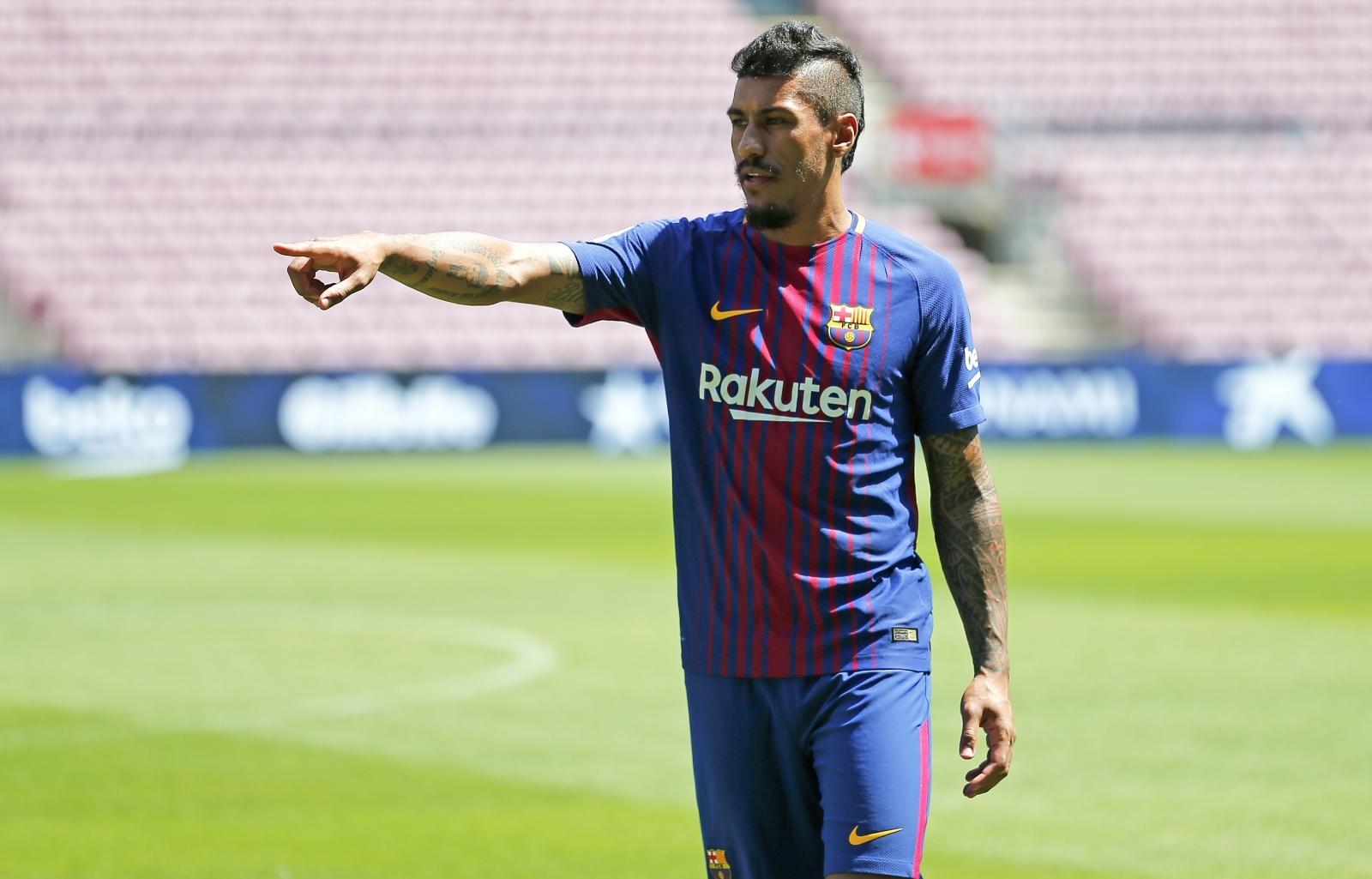 Paulinho free to make Barcelona debut at Alaves after receiving