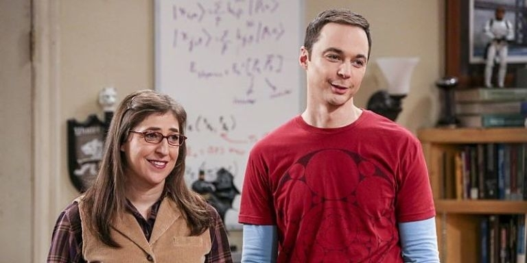 'Sheldon's fantasy': Big Bang Theory's Mayim Bialik dresses in Spock costume and fans are loving it