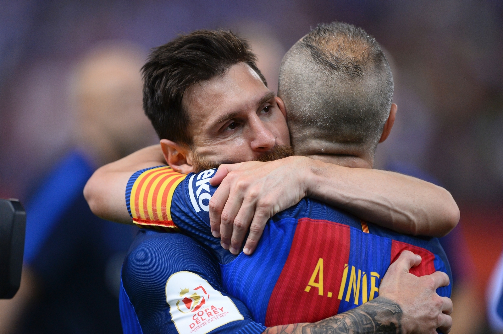 Andres Iniesta hopes Lionel Messi agrees Barcelona contract