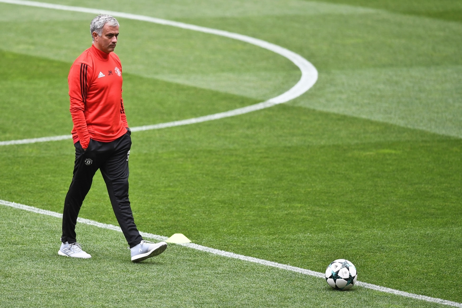 Benfica vs Manchester United: Uefa Champions League - LIVE