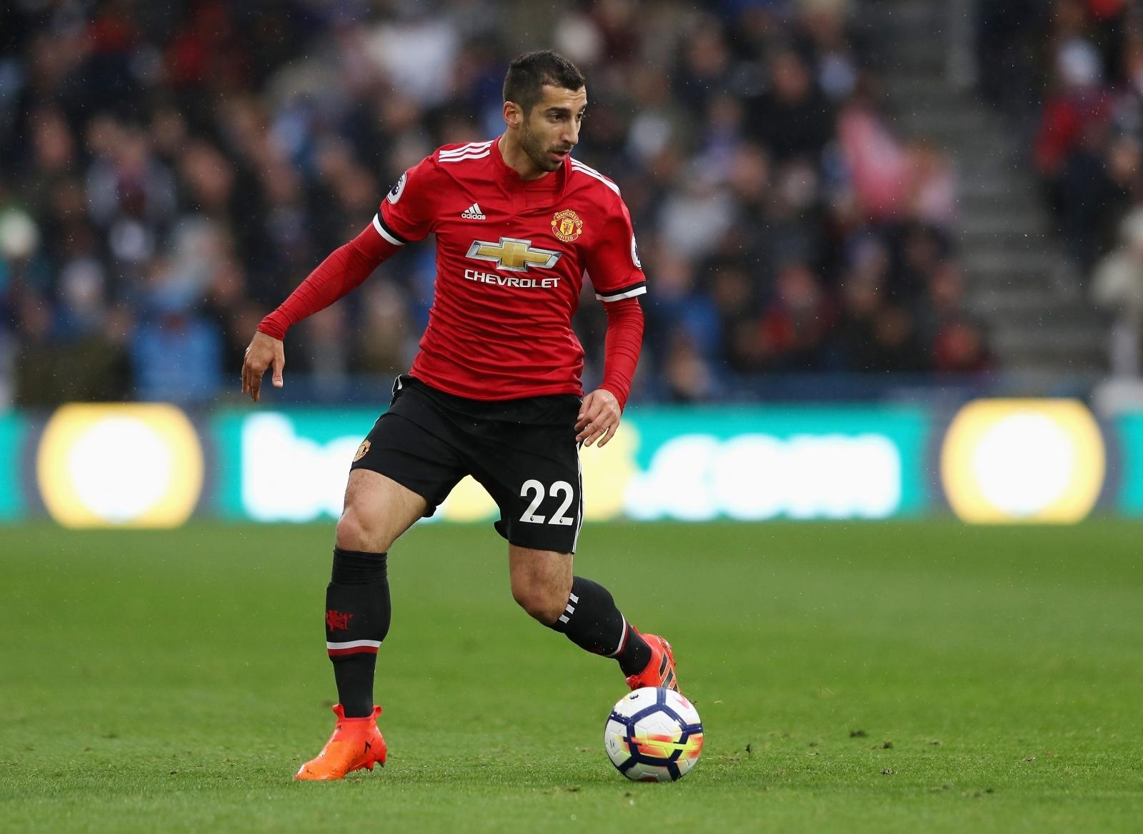 Manchester United s struggling star Henrikh Mkhitaryan fighting