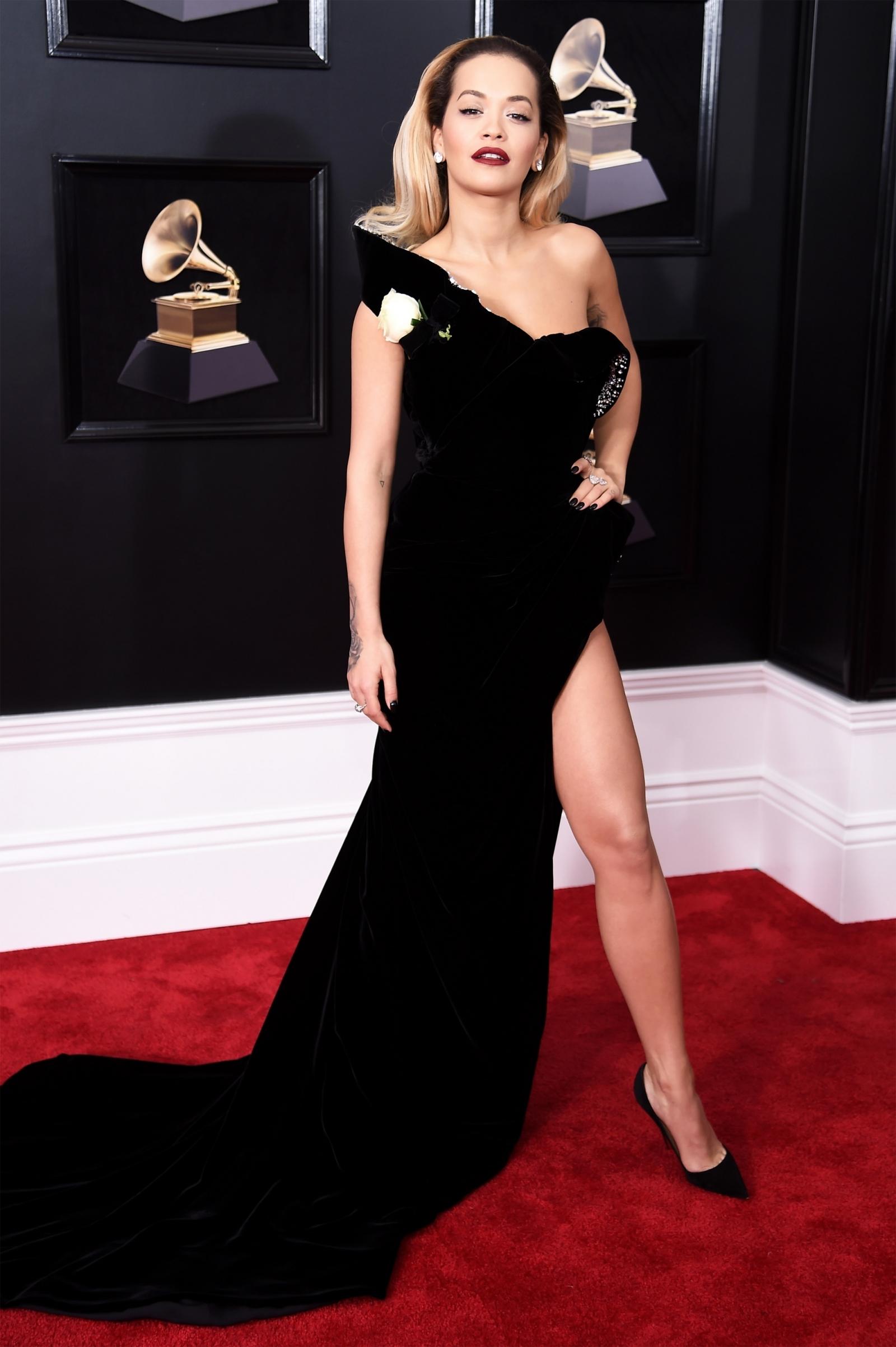 Rita Ora narrowly avoids wardrobe malfunction at ...