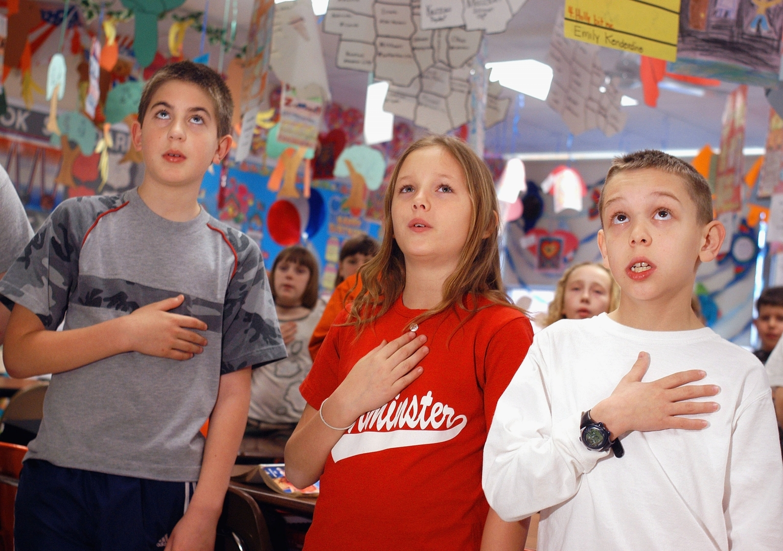 pledge of allegiance in school Umimaginative fake news publishers have recycled an old hoax about president obama's banning the pledge of allegiance the pledge of allegiance in us schools.