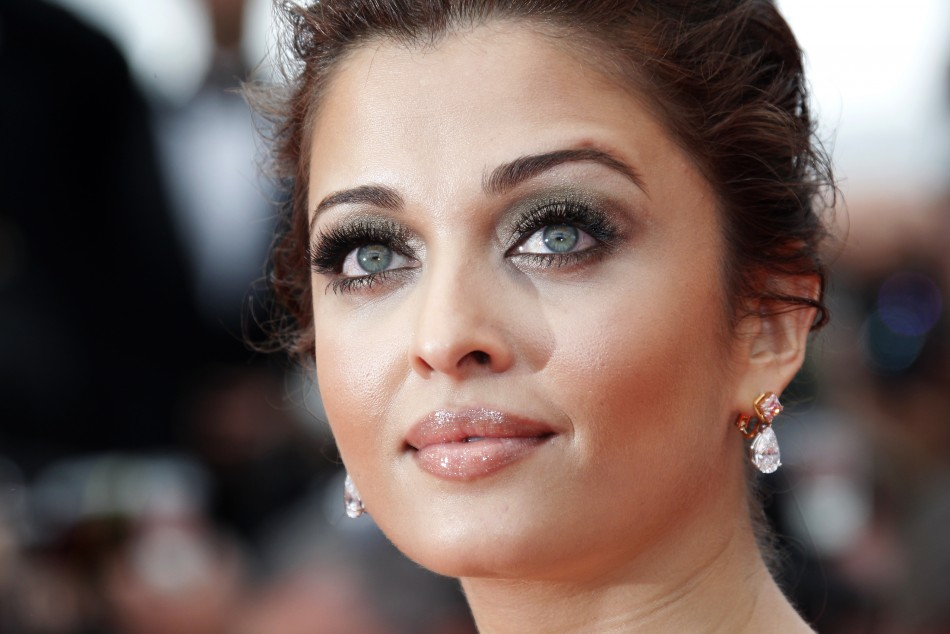 http://d.ibtimes.co.uk/en/full/191350/bollywood-actress-aishwarya-rai-bachchan.jpg