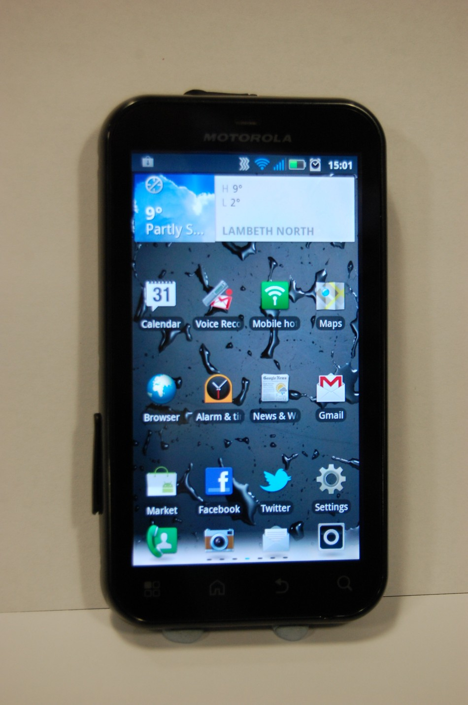 Review: Motorola Defy+
