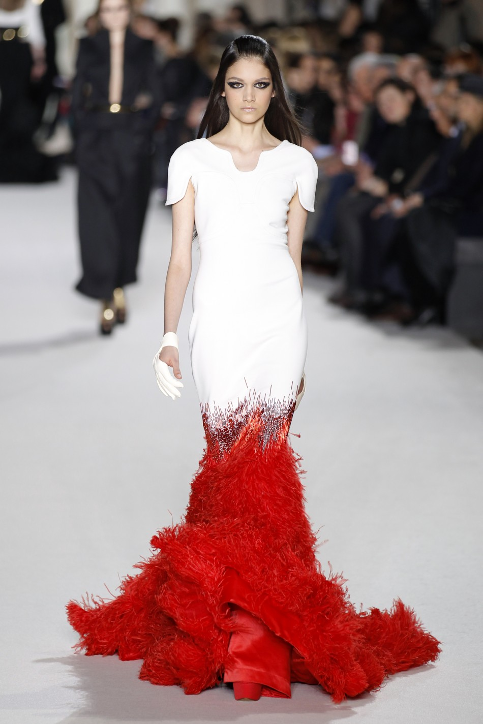 Paris fashion week 10 best looks of spring summer 2012 for Haute couture houses