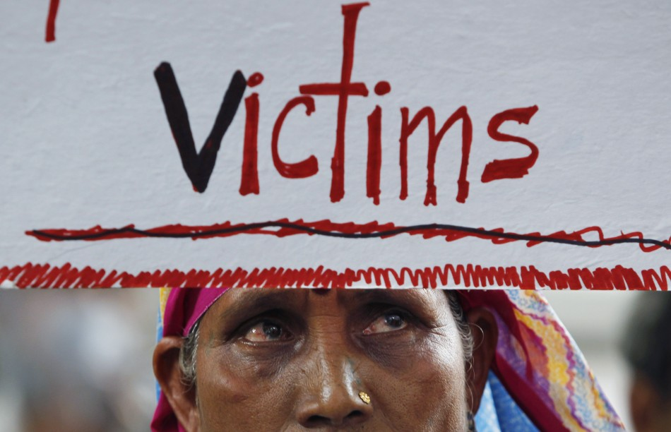 bhopal disaster 30th anniversary  protests point to