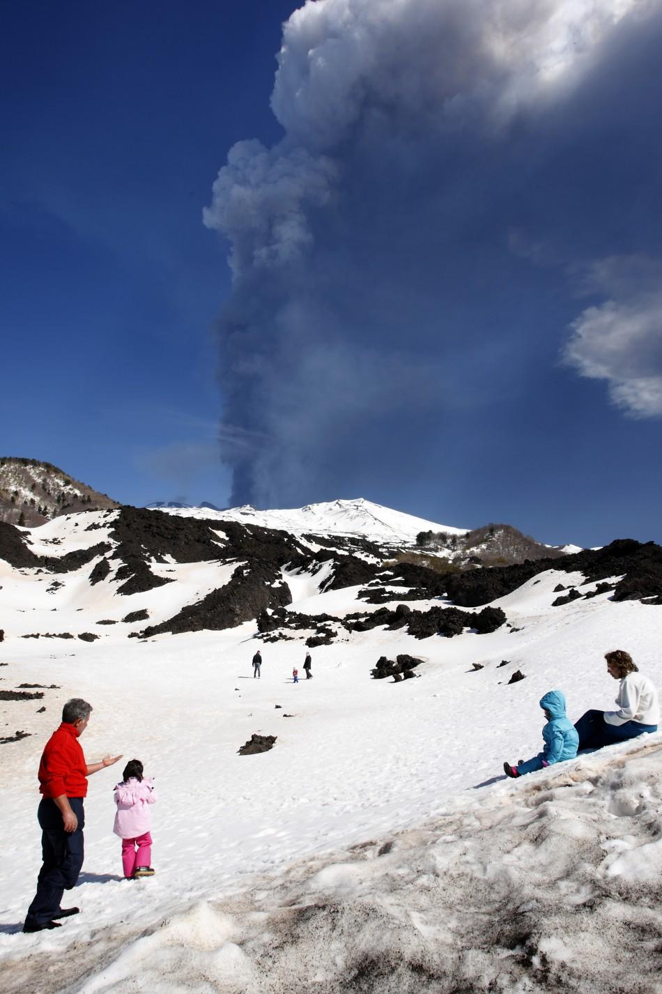 Mount etna rock dating pic