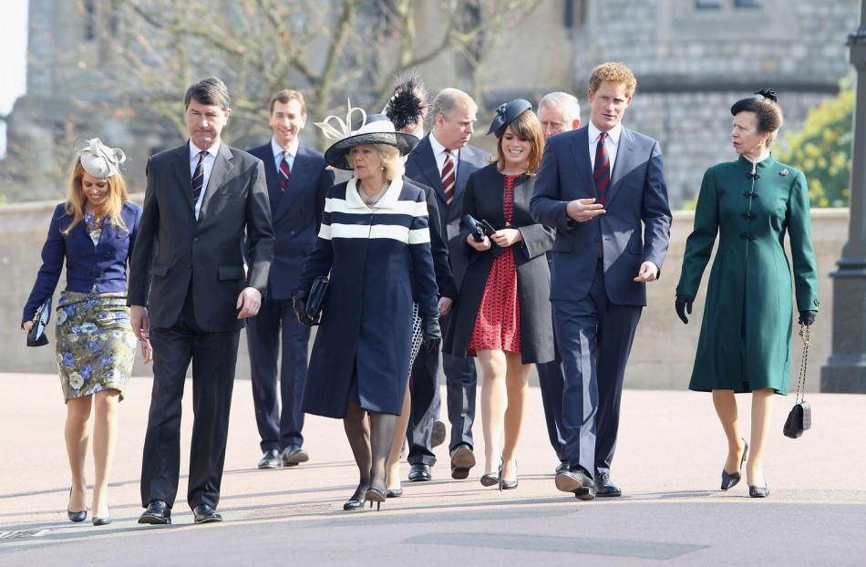 Royal Family Pays Tribute to Queen Mother and Princess Margaret ...