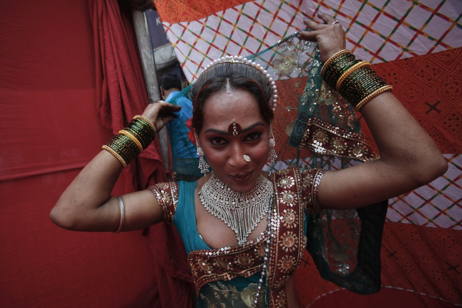 India's Housewives Turn to Prostitution to Pay the Bills ...