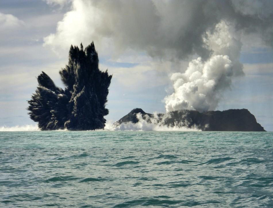 Fastest Growth of Underwater Volcanoes Documented at ... Pacific Ocean Underwater Volcanoes
